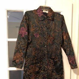 EMBROIDERED DESIGN LOUNGING COAT